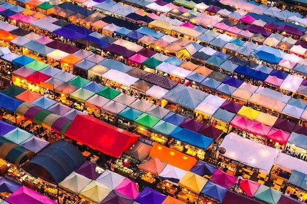 Bangkok tarjoaa ostoselämyksiä moneen makuun ja monelle budjetille.