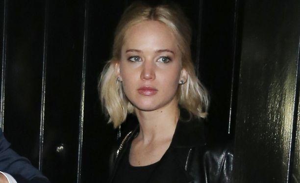 Mies myönsi varastaneensa Jennifer Lawrencen alastonkuvia.
