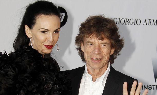 Maaliskuussa 2014 menehtynyt L'Wren Scott ja Mick Jagger olivat yhdessä 13 vuotta. Kuvassa pariskunta Ranskassa maaliskuussa 2010.