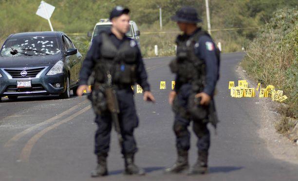 Arkistokuva. Meksikolaispoliiseja eräällä rikospaikalla.