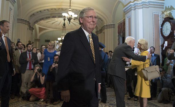 Äänestystulos oli suuri helpotus senaatin enemmistöjohtajalle Mitch McConnellille.