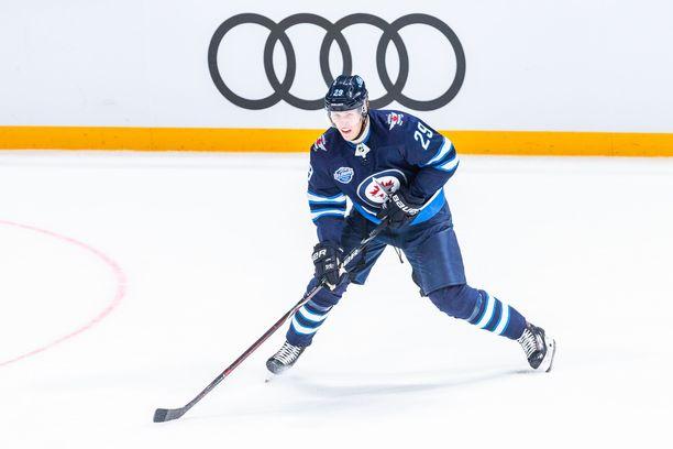 Patrik Laine teki kahdessa Helsingin NHL-ottelussa yhteensä neljä maalia.