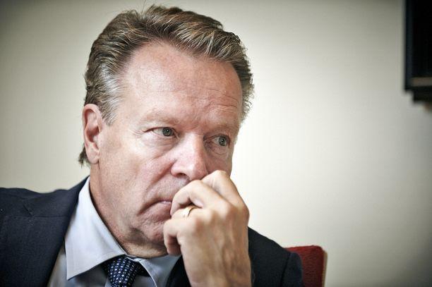 Ilkka Kanerva on Suomen historian pitkäaikaisin kansanedustaja. Siksi haastattelu. / Sijainti: