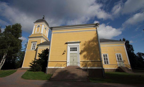 Mies menehtyi pudottuaan Kankaanpään kirkon katolta.