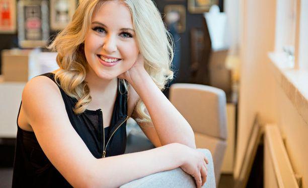 Molly Rosenström on Suomen ensimmäinen The Voice Kids -voittaja.