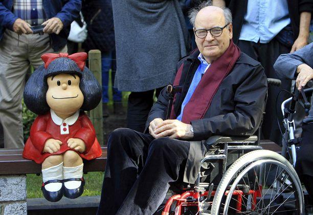 Quino istahti Mafaldan viereen Oviedossa syksyllä 2014.