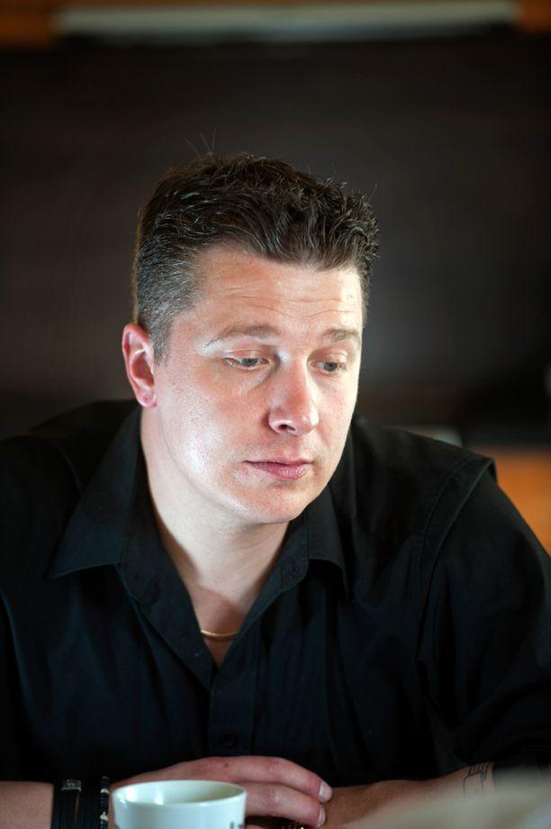 Janne Tulkki on kolmatta kertaa naimisissa.