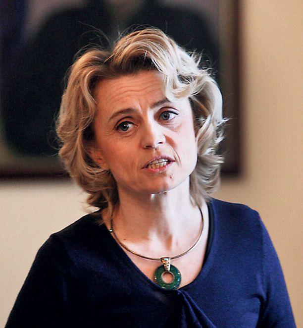 Päivi Räsäsen tyttömäisyys erottui joukosta puoluejohtajien tv-keskustelussa.