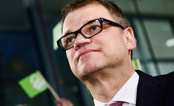 Juha Sipilä kokosi tuekseen vahvan neuvotteluryhmän.