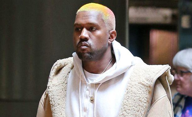 Kanye West bongatiin muutama päivä sitten elokuvista ilman vaimoaan.
