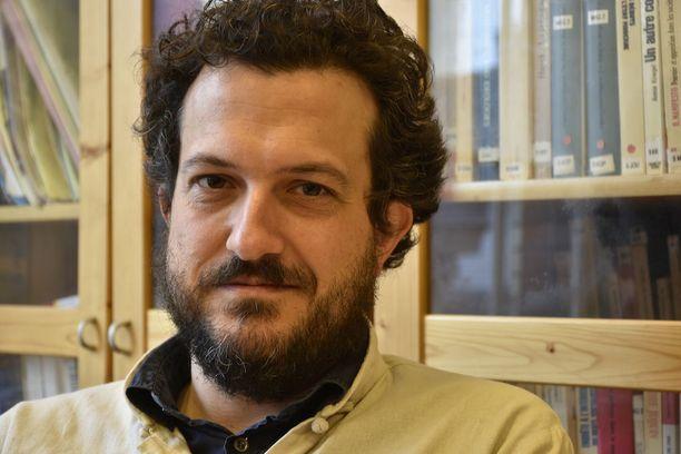 Sorbonnen yliopiston professori Nicolas Hubé arvioi, ettei Le Pen pystynyt hyödyntämään viimeisintä terrori-iskua täydessä mitassa kampanjassaan.