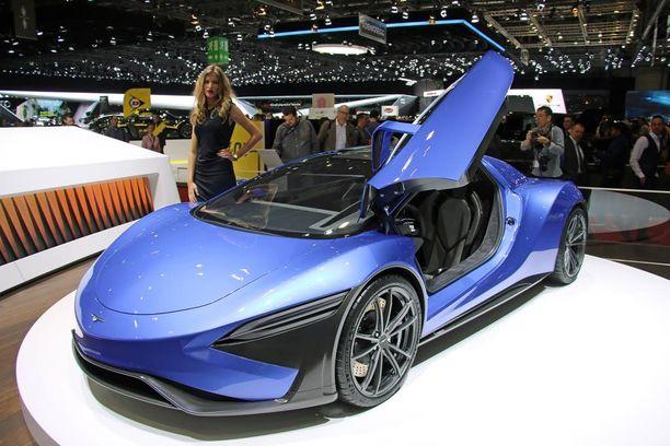 Geneven autonäyttelyyn Techrules tuli perinteisin asein. Kauniisti muotoiltu konseptikori ja nätti tyttö viereen.
