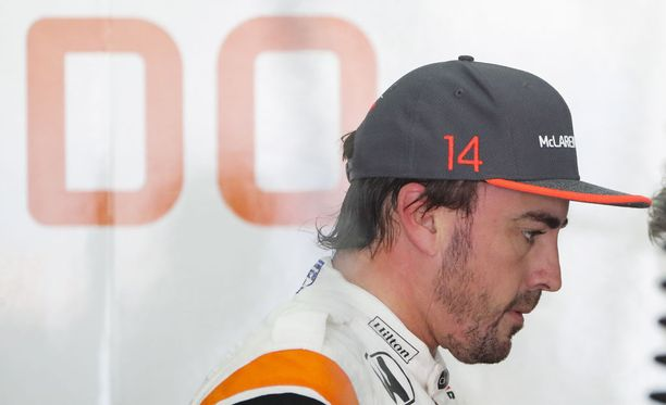 Fernando Alonso saa oranssin F1-auton.