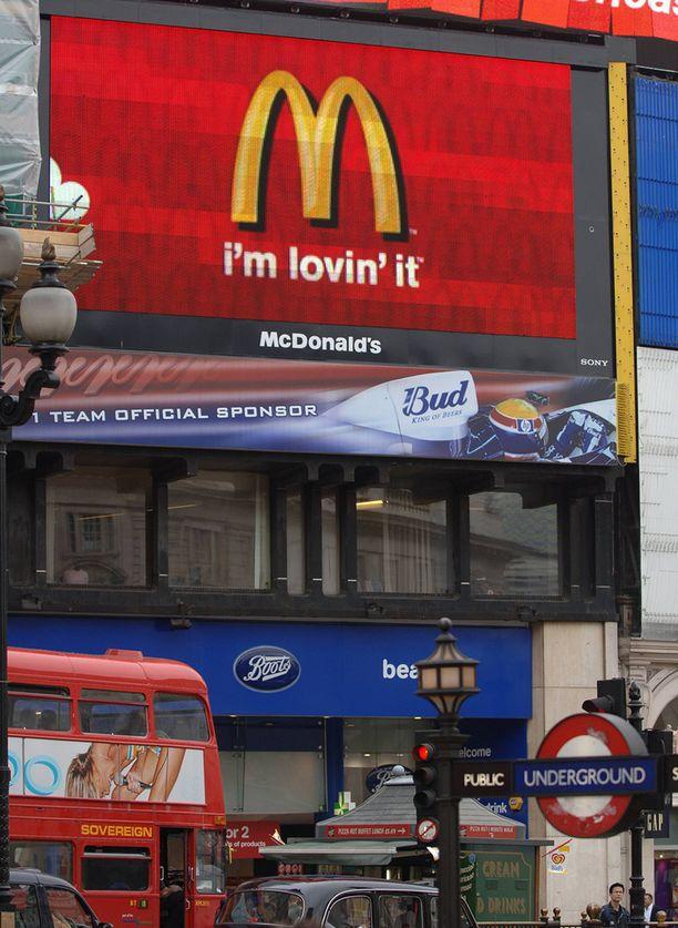 Ware söi McMaratoninsa aikana myös tässä Piccadilly Cirkuksen Mäkkärissä.