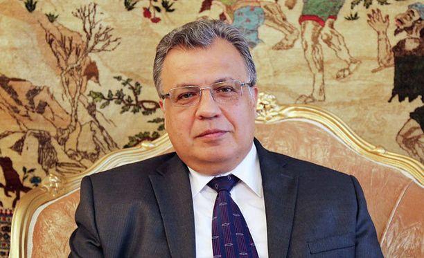 Venäjän Turkin-suurlähettiläs Andrei Karlov ammuttiin maanantaina Ankarassa.