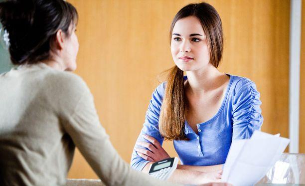 Työnhakijan kannattaa valmistautua erilaisiin kysymyksiin.
