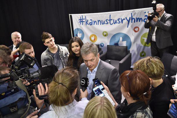 Presidentti Sauli Niinistö osallistui Me-säätiön kiusaamisen vastaiseen kampanjan Helsingin Mellunkylässä 2017.
