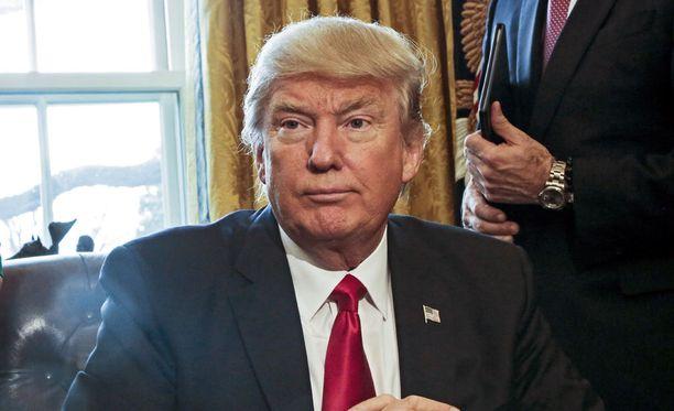 Yhdysvaltain presidentti Donald Trump on jälleen tviitannut närkästyksestään maan oikeuslaitosta vastaan.