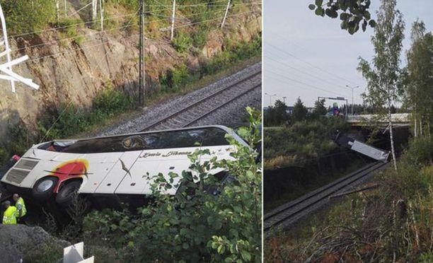 Bussiturman matkustajia auttamassa olleen kuopiolaismiehen mukaan onnettomuuspaikalla oli paniikinomainen tunnelma.