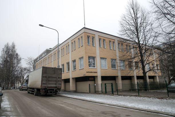 Pyhän Ristin kirkko sijaitsee Amurinkujalla Tampereella.