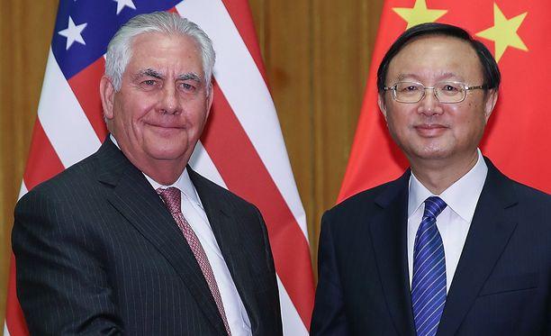 ex Tillerson ja Yang Jiechi tapasivat lauantaina Pekingissä.
