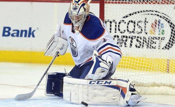 Jason LaBarbera pitää hallussaan AHL:n nollapeliennätystä. LaBarbera piti maalinsa puhtaana 13 ottelussa kaudella 2003-04.