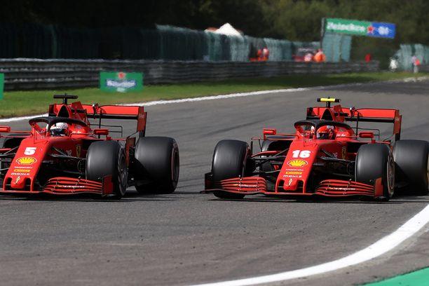 Ferrarit taistelivat Belgiassa tiukasti keskenään, mutta kyseessä oli sijoitus häntäpäässä.