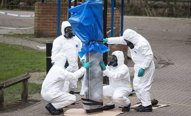 Poliisin mukaan Skripalit myrkytettiin luultavasti heidän kotiovellaan.