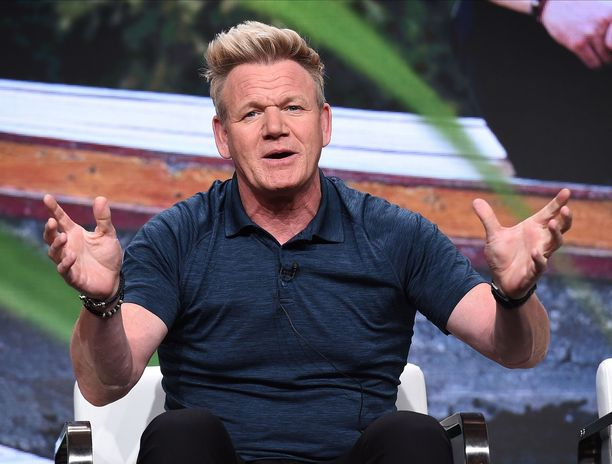 Gordon Ramsay tutustuu suomalaisiin ruokiin televisiosarjassaan.