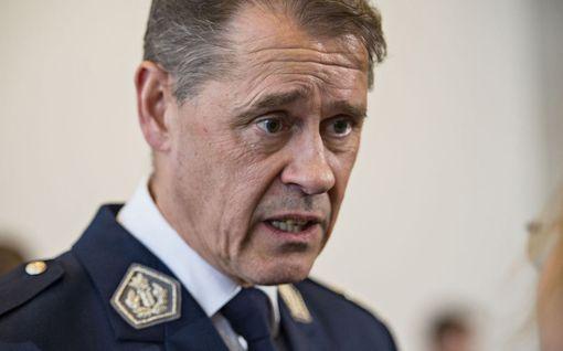 """Poliisiylijohtaja Seppo Kolehmainen haluaa Suomeen lähiöpoliiseja, muttei nimeä paikkoja, jonne heitä tarvitaan -""""Se olisi jossakin määrin tahditonta"""""""