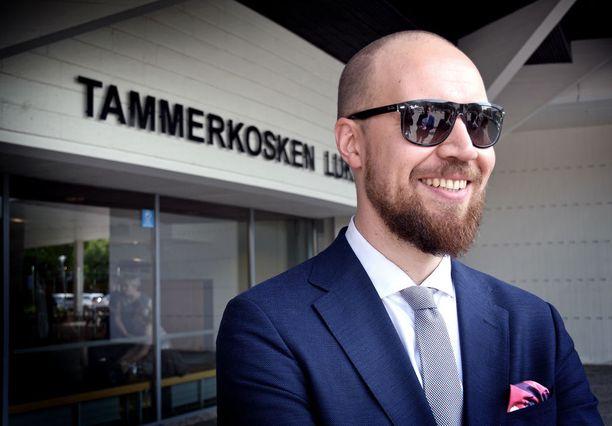 Touko Aalto pitää kiinni vihreiden tavoitteesta nousta pääministeripuolueeksi.