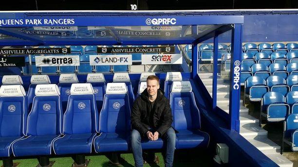 Korpela istahti QPR:n vaihtopenkille ennen kotiottelua Bristol Citya vastaan.