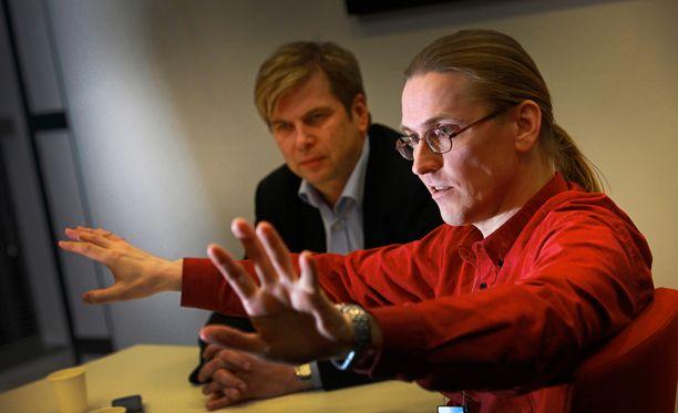 Mikko Hyppönen uskoo, että puhelinvakoilun kauhukuva on käynyt todeksi.