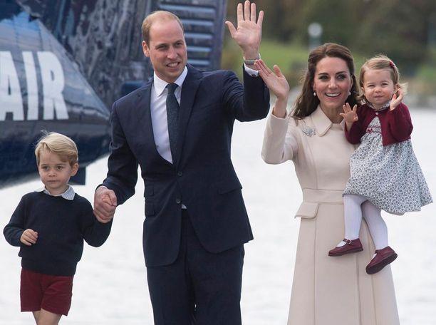 Prinssi Williamin ja herttuatar Catherinen perheeseen kuuluu esikoispoika George ja tytär Charlotte.