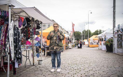 Torimyyjä Jasmine tienasi päivässä vain 22 euroa – Ulkomaan turistit katosivat, osa pääkaupunkiseudun suosikkikohteista vaikeuksissa