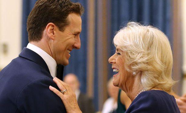 Brendan Colella ja herttuatar Camillalla oli hauskaa parketilla.