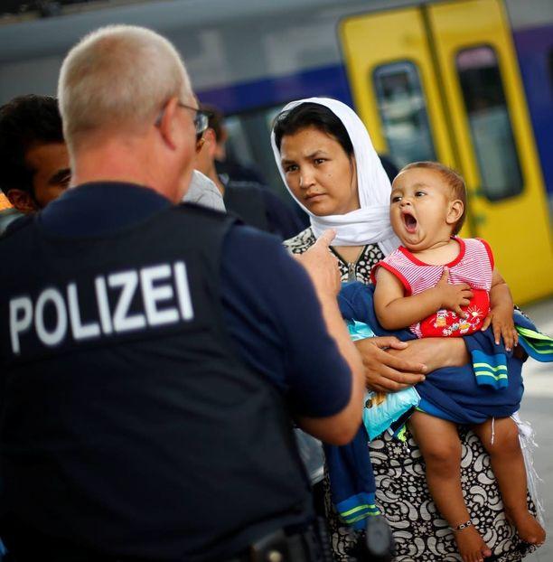 Suurin osa pakolaisista tulee Balkanin alueen maista, mutta myös Syyriasta ja Irakista.