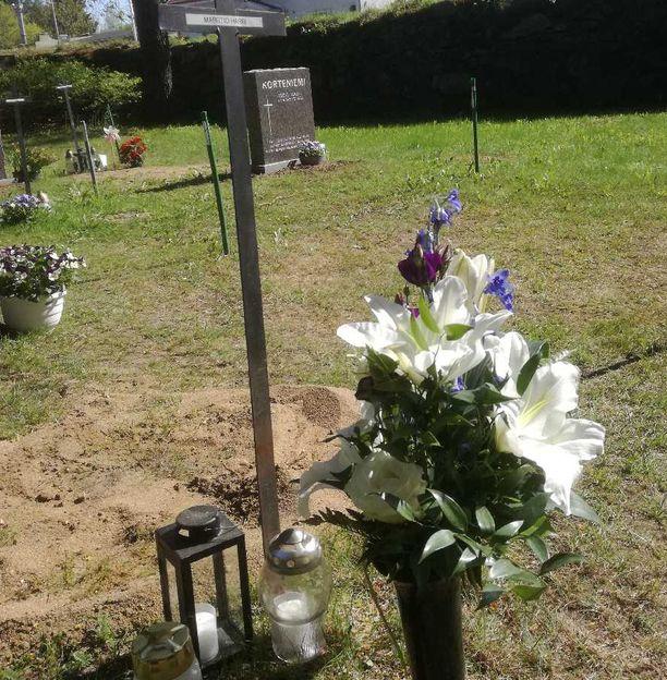 Harri Marstion viimeinen leposija löytyy Tampereen Messukylän hautausmaalta.