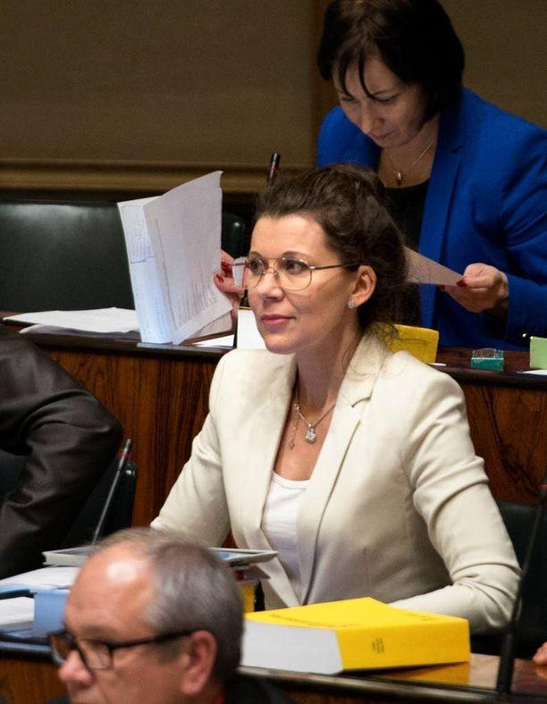 Kansanedustaja Arja Juvonen (ps) ei tuntenut tapahtumaan liittyviä ristiriitoja, kun hän lupautui avaamaan yleisötapahtuman eduskunnan tiloissa.