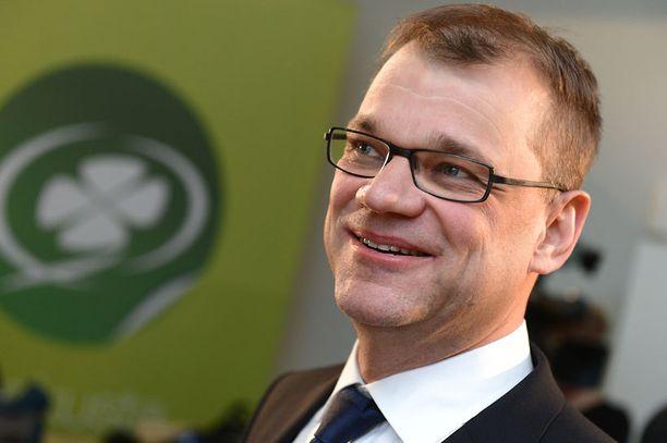 Juha Sipilä (kesk) nousi pääministerigallupin kärkeen.