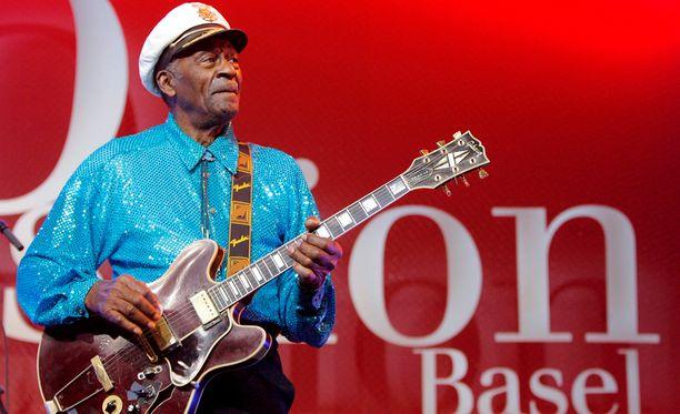 Chuck Berry vuonna 2007. Tuolloin esiintyminen tapahtui ilman mitään vaikeuksia.