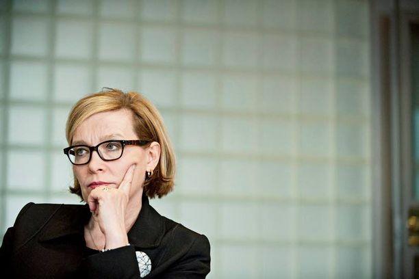 """Paula Risikon pohdinta sosiaaliturvan vastikkeellisuudesta herätti heti arvostelua. Jutta Urpilainen lupasi kuitenkin eilen """"rakenteellisia uudistuksia""""."""