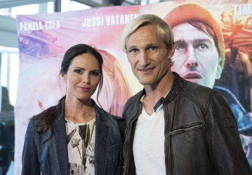 Sami Hyypiä saapui elokuvan ensi-iltaan yhdessä Susanna-vaimonsa kanssa.