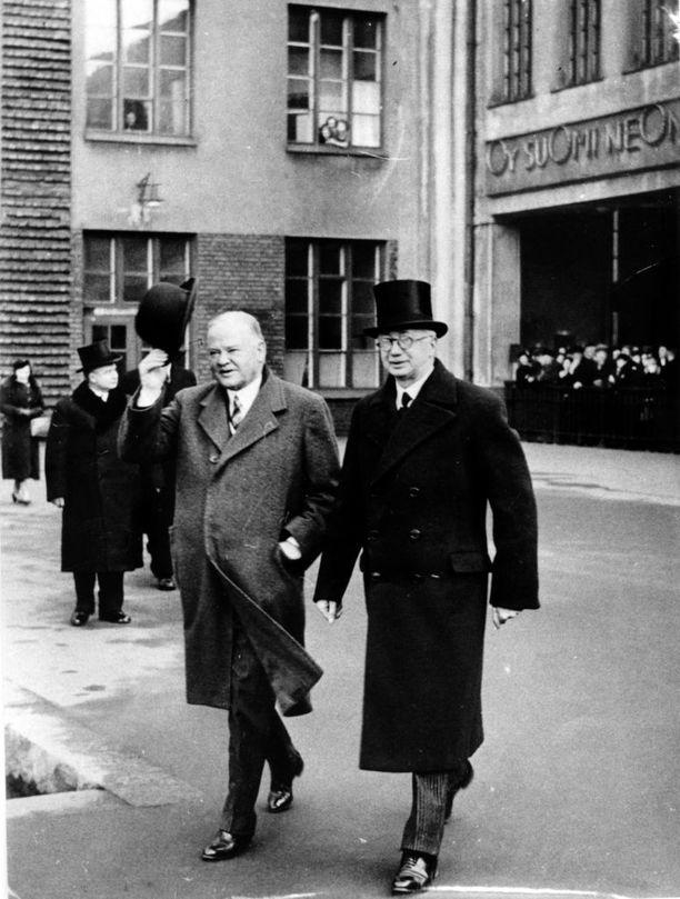Rudolf Holsti joutui eroamaan hetkellä, jolloin Eurooppa oli ajautumassa toiseen maailmansotaan.