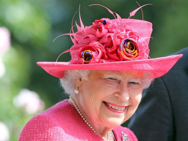 Kuningatar Elisabetin kerrotaan vierailleen prinssi Harryn ja herttuatar Meghanin luona, koska halusi nähdä Meghanin ennen synnytystä.