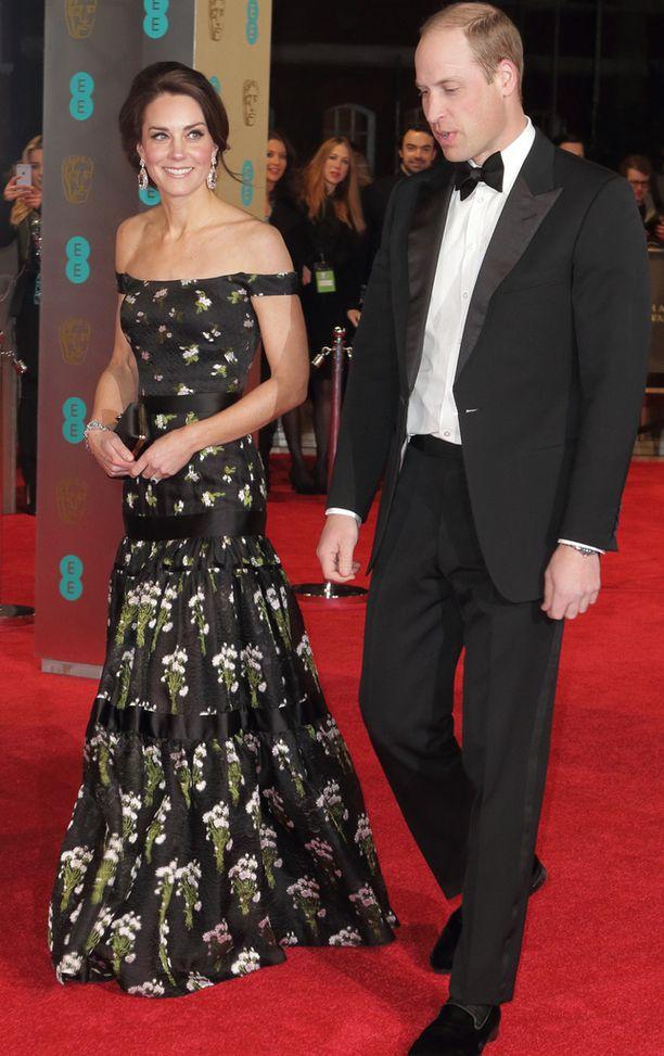 Herttuatar Catherine ja prinssi William olivat illan kunniavieraat.