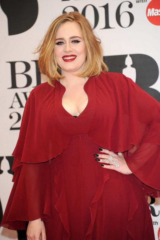 Laulaja Adele on ehtinyt voittaa urallaan myös Oscar-pystin.