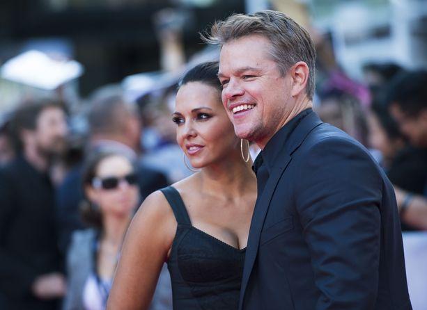 Matt Damon vaimonsa Luciana Barroson kanssa Ford vs. Ferrari -elokuvan kutsuvierastilaisuudessa syyskuussa. Parilla on neljä lasta, joista yksi on Barroson entisestä parisuhteesta.