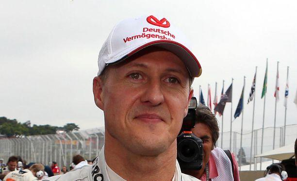 Michael Schumacher taistelee tietojen mukaan vakavan aivovamman kanssa.