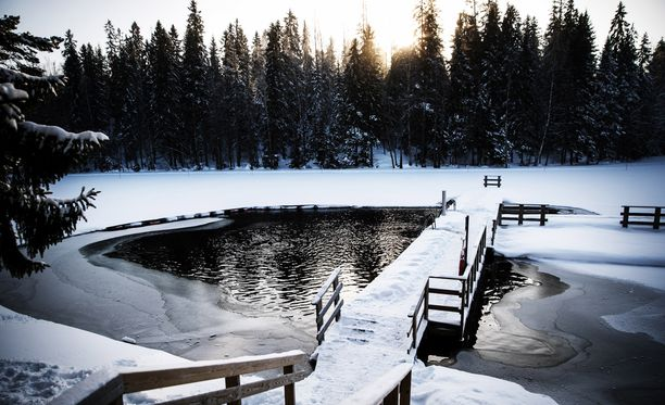 Tampereen Hervannan Suolijärvi on suosittu ulkoilupaikka. Poliisi lopettaa kadonneen etsinnät paikalla.